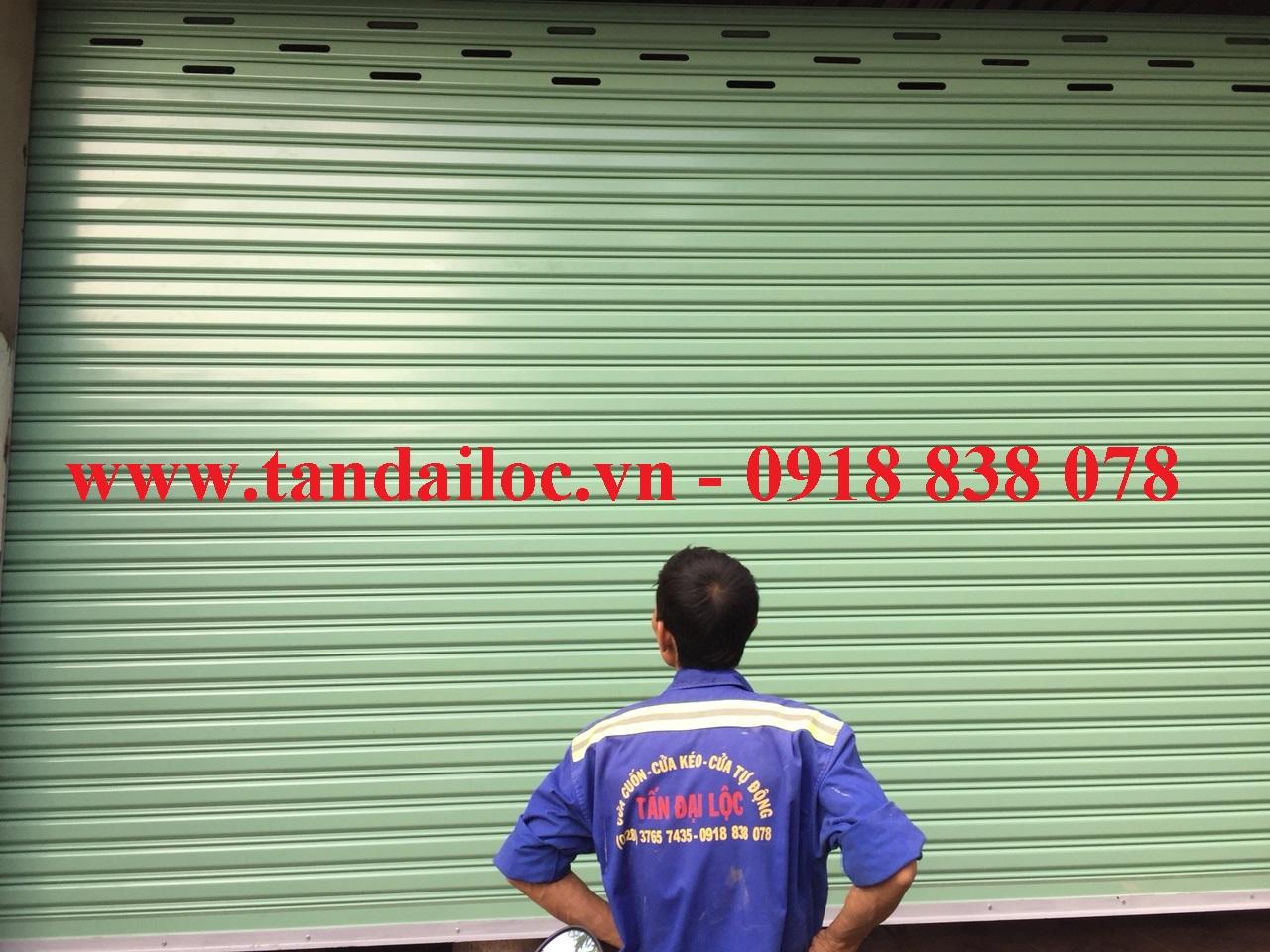Lắp đặt cửa cuốn đài loan kéo tay