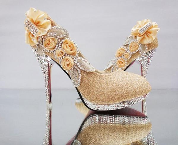 những đôi giày cao gót đẹp nhất thế giới 12