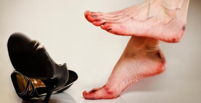 vấn đề gặp phải khi mang giày quá rộng