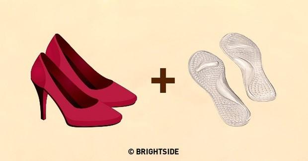 Dùng miếng lót silicon khi giày rộng