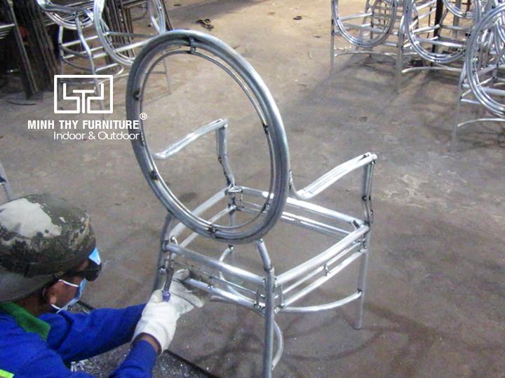 Sản xuất sản phẩm ghế cafe mây nhựa ngoài trời theo mẫu của khách hàng