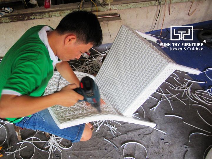 Mẫu ghế mây nhựa MT2A154 đã được đan như thế nào?
