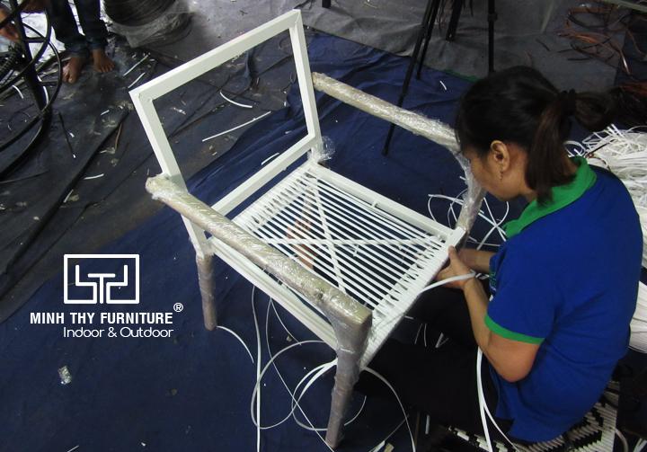Bật mí kiểu đan sáng tạo dành cho ghế cafe giả mây tại Minh