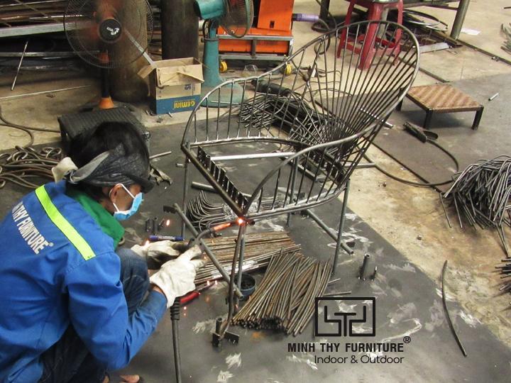 Video sản xuất ghế sắt cafe sân vườn MT419 tại xưởng cơ khí Minh Thy