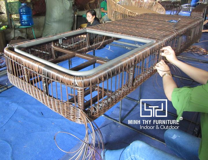 Đan tạo hình cho ghế hồ bơi khung nhôm
