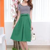 Bộ Áo Thun Sọc Ngang Kèm Chân Váy Vintage Cao Cấp