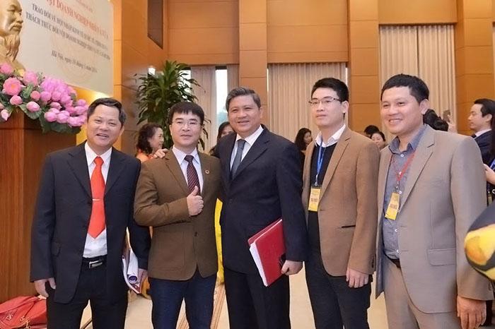 Benco chụp ảnh lưu niệm cùng các doanh nghiệp khác