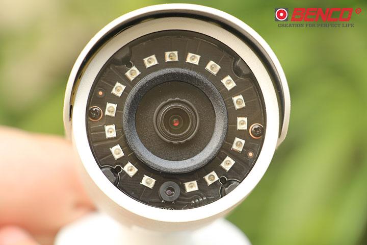 Camera trang bị 18 đèn LED công nghệ Micro
