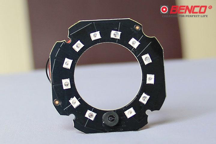 Camera trang bị 12 đèn LED công nghệ Microcrystalline