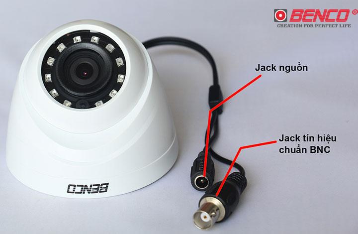 Dây nguồn và dây kết nối đầu ghi của camera