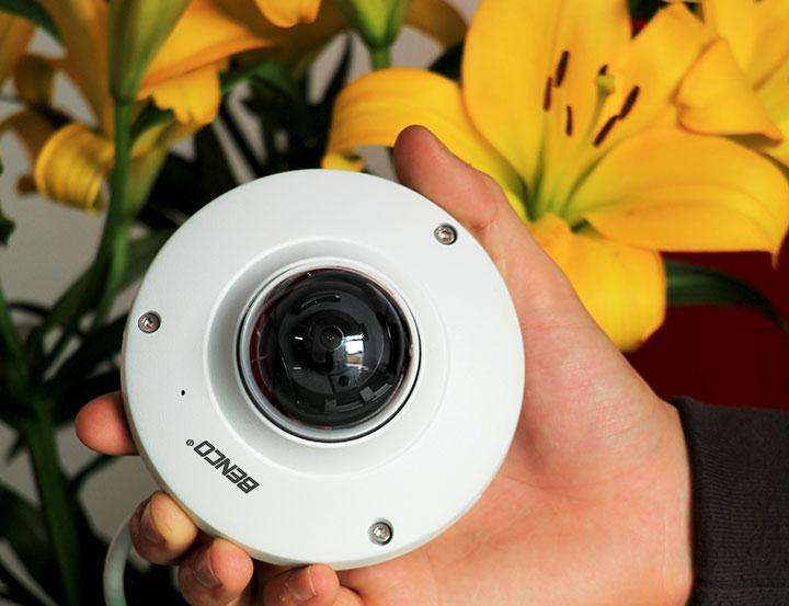 Camera trang bị cảm biến hình ảnh chất lượng cao