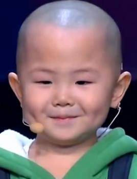 Em bé 3 tuổi cực cute đi thi nhảy tại Amazing Chinese