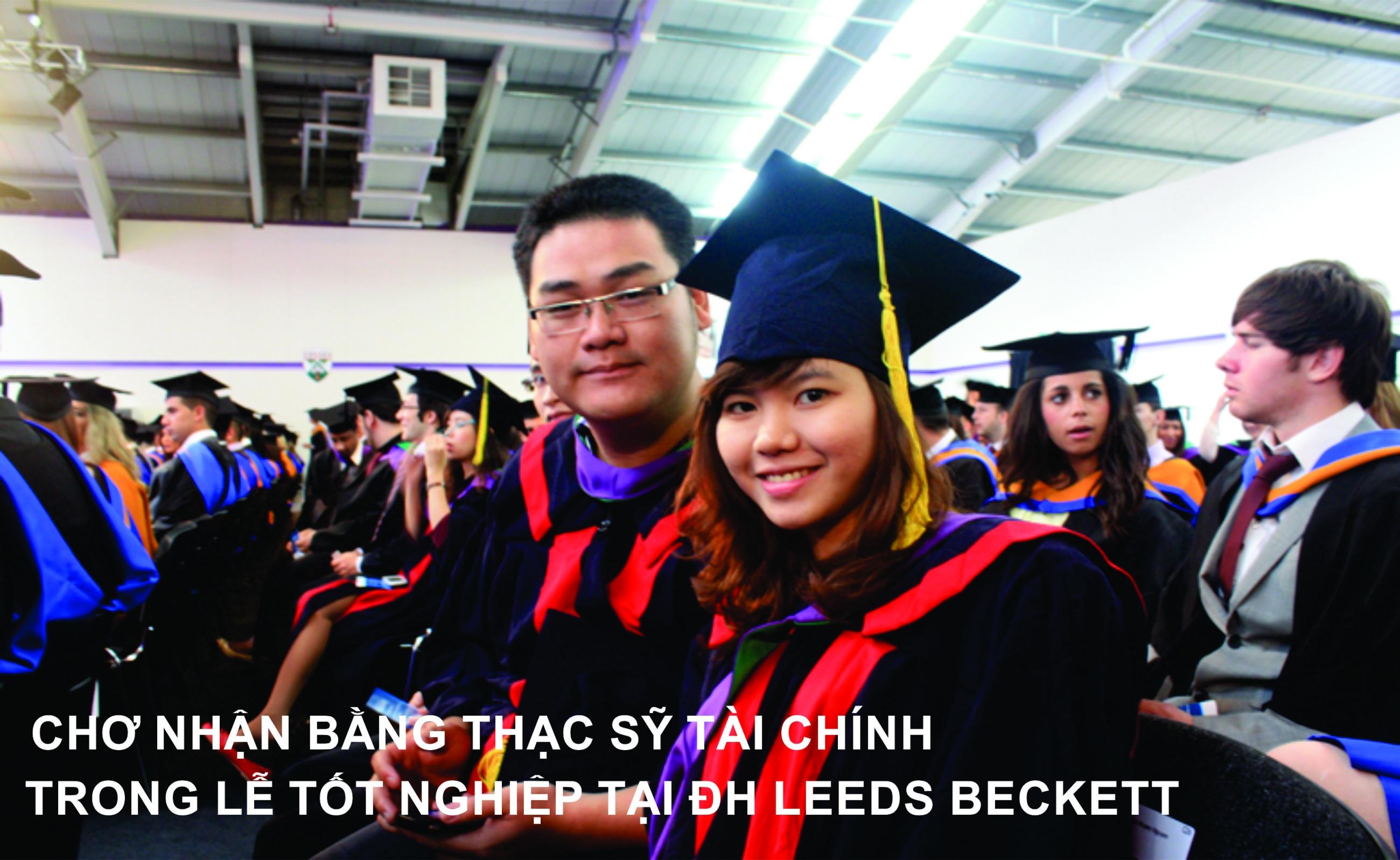 Học viên Thạc sỹ Tài chính chờ nhận bằng ở Leeds Beckett