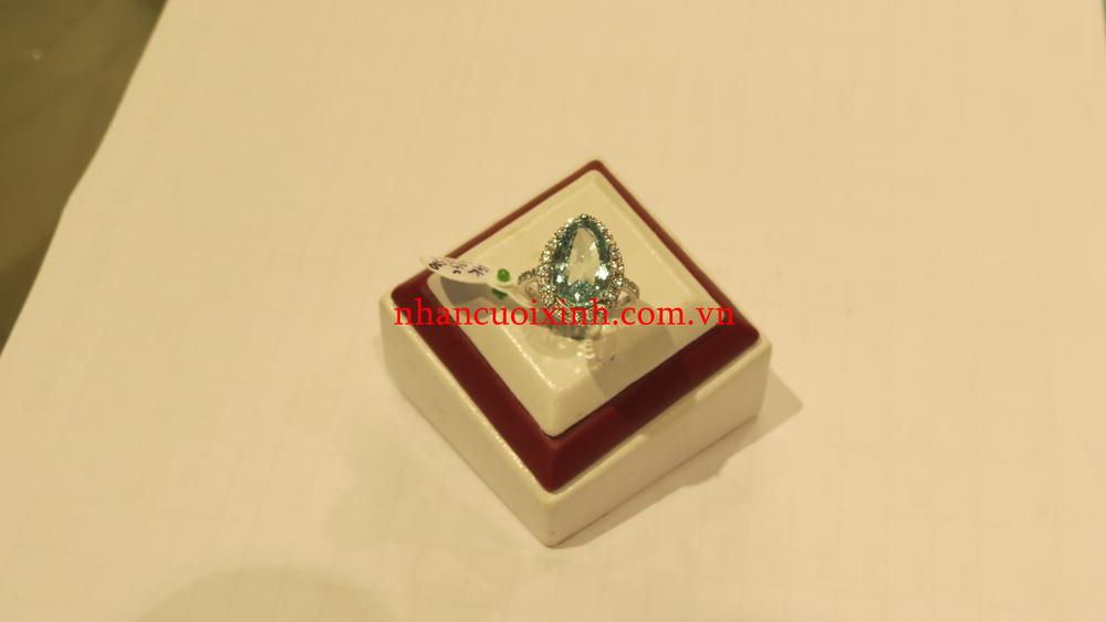 Nhẫn Aquamarine vàng trắng 14K
