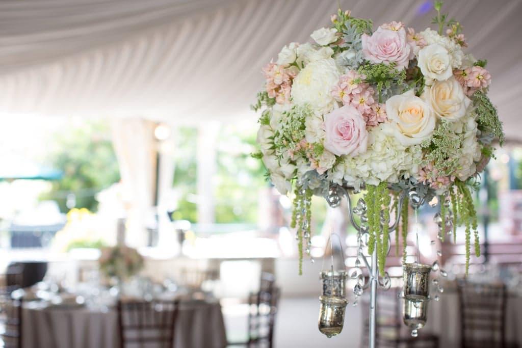 Hoa trang trí cho đám cưới