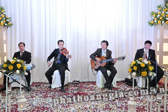 Cung cấp ban nhạc bán cổ điển