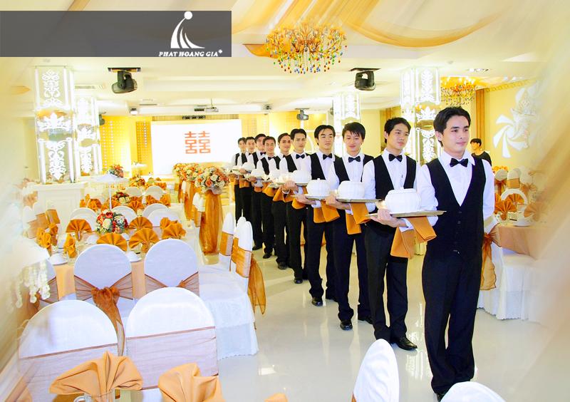 Cung cấp nhân viên phục vụ Phát Hoàng Gia