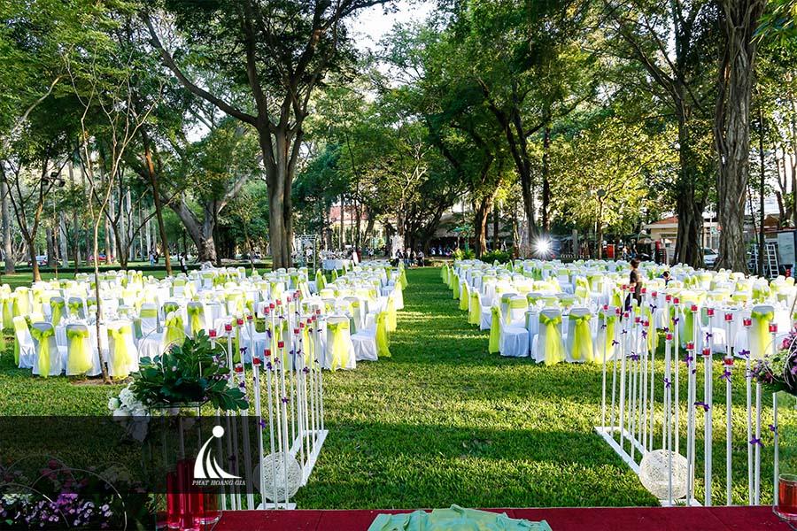 tổ chức tiệc cưới ngoài trời 6
