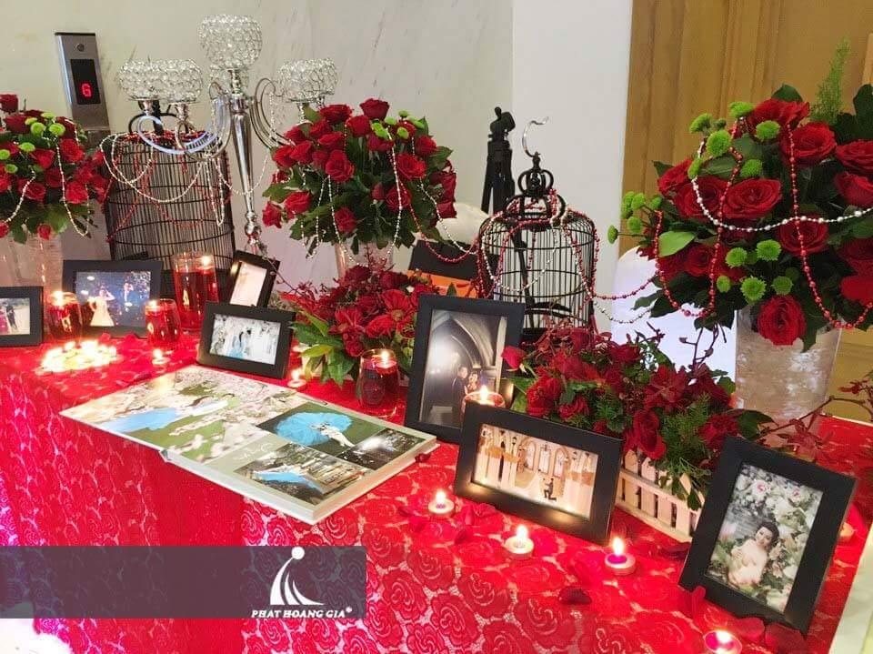 trang trí bàn gallery 1