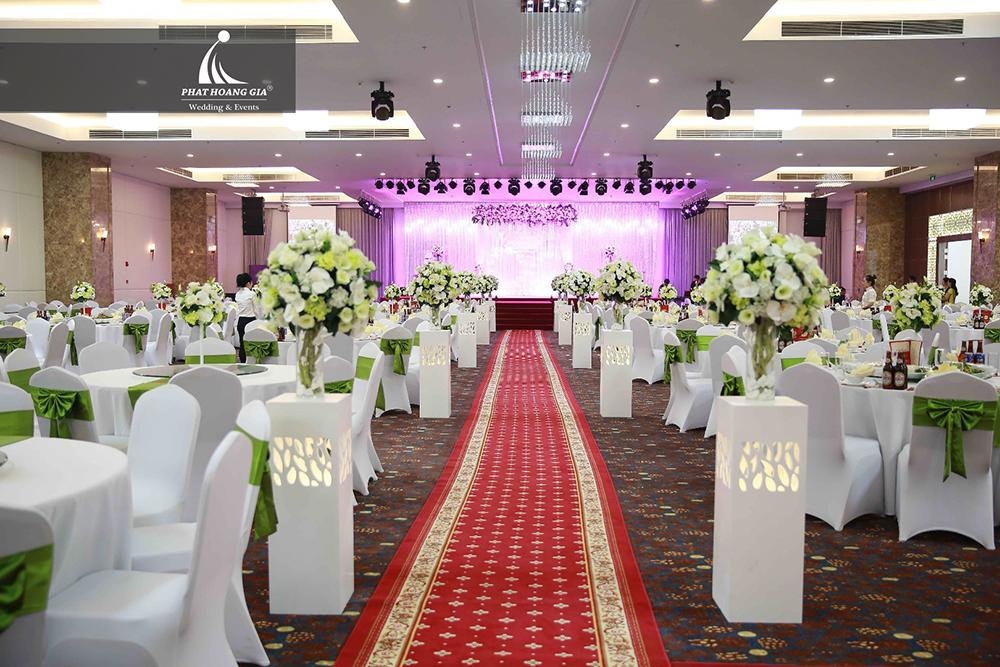 lắp đặt âm thanh - ánh sáng nhà hàng tiệc cưới