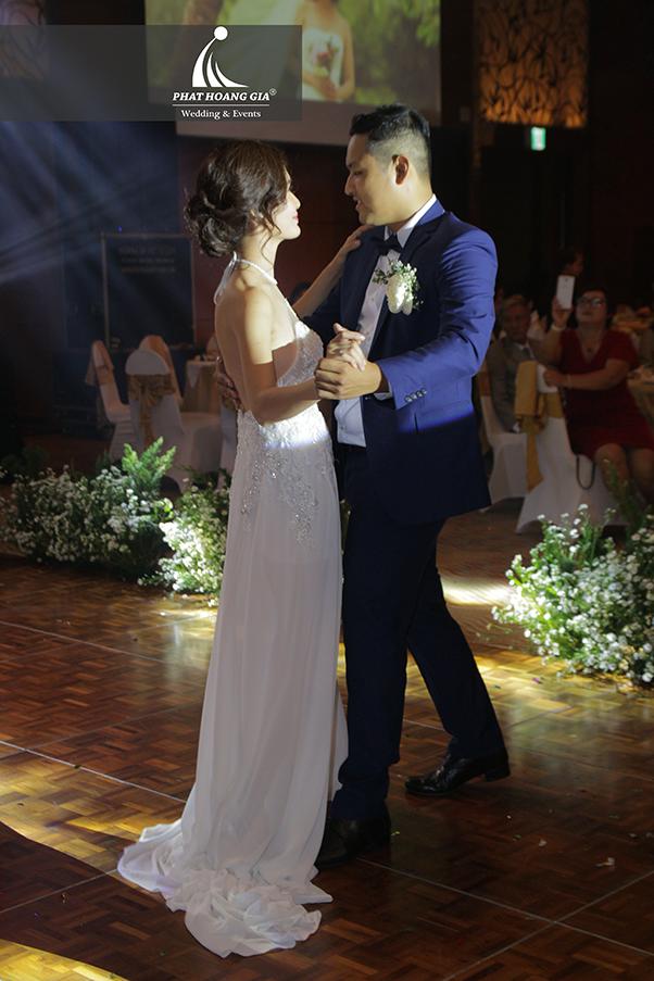 cung cấp âm thanh ánh sáng tiệc cưới