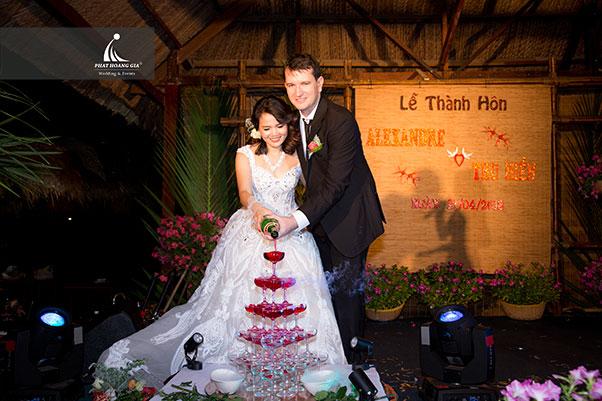 True Love | Alexande & Thu Hiền