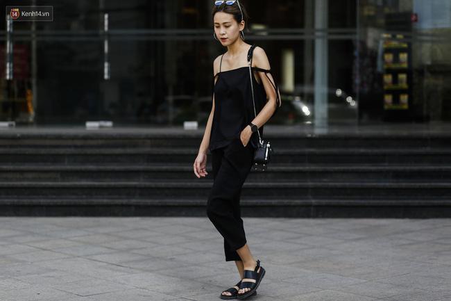 Street style 2 miền: Hà Nội toàn đen trắng đối lập Sài Gòn rực rỡ sắc màu - Ảnh 5.