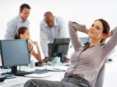 Hãy để mắt được nghỉ ngơi sau mỗi giờ làm việc căng thẳng