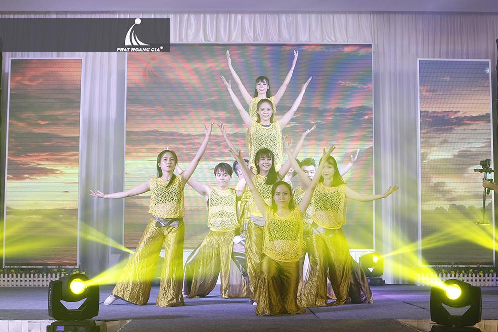 cung cấp vũ đoàn nhóm nhảy chuyên nghiệp 10