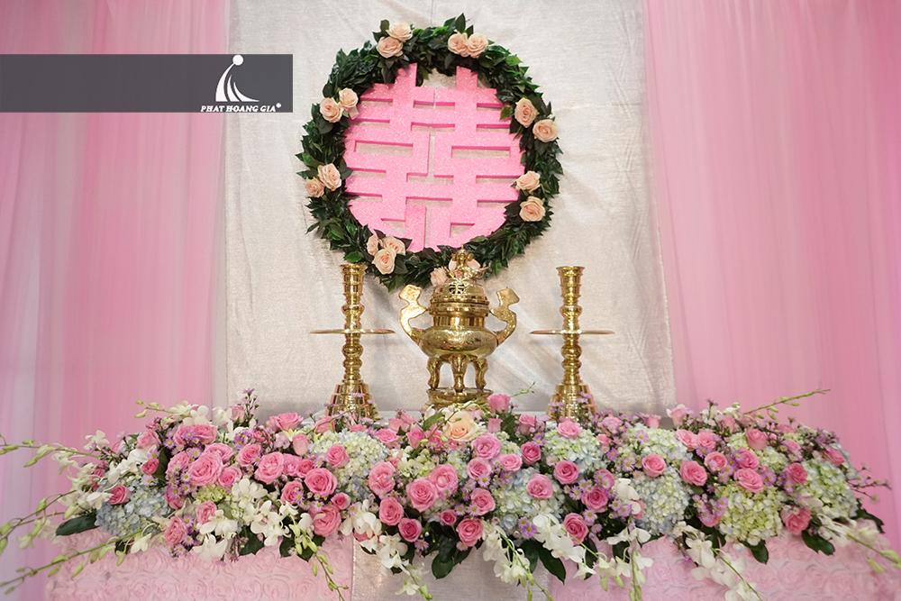 trang trí lễ gia tiên tone hồng 6