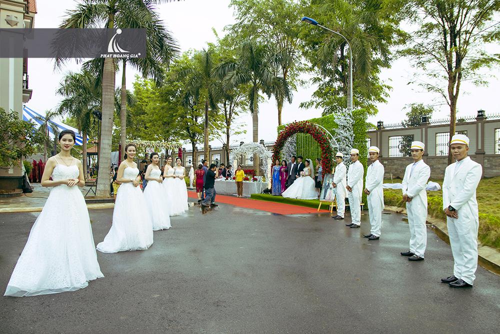 trang trí cưới ngoài trời trọn gói 1