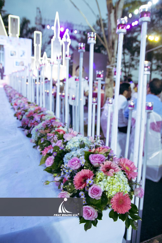 trang trí cưới ngoài trời trọn gói 19