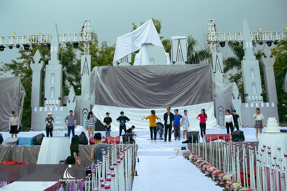 tổ chức tiệc cưới ngoài trời trọn gói 36
