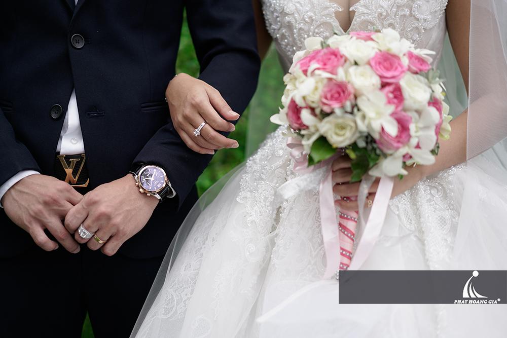 tổ chức tiệc cưới ngoài trời trọn gói 37