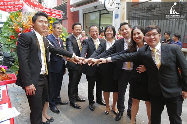 KHAI TRƯƠNG CTCP GIÁO DỤC ĐÀO TẠO HỌC VIỆN GMI  Read more: http://vietnamgsm.vn/threads/khai-truong-ctcp-giao-duc-dao-tao-hoc-vien-gmi.176916/#ixzz53xdlBsx2