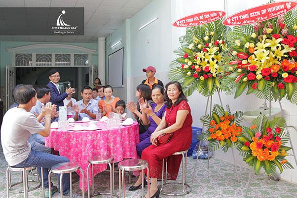 khai trương Công ty TNHH thép Việt Nhung 3
