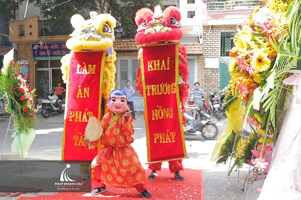 khai trương Công ty TNHH thép Việt Nhung 7