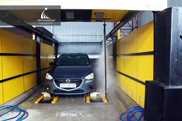 khai trương dịch vụ rửa và chăm sóc xe M1