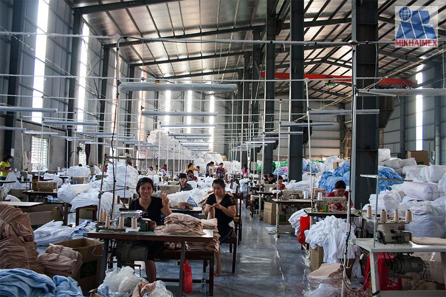 Công nhân nhà máy dệt minh khai