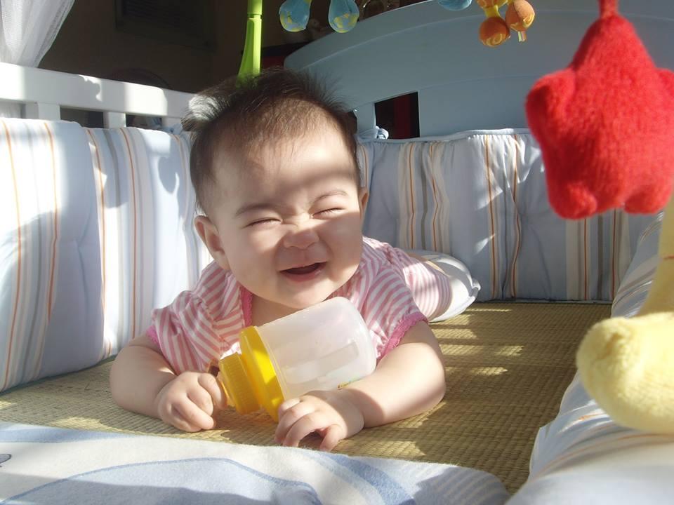 Tắm nắng cho trẻ sơ sinh tại nhà