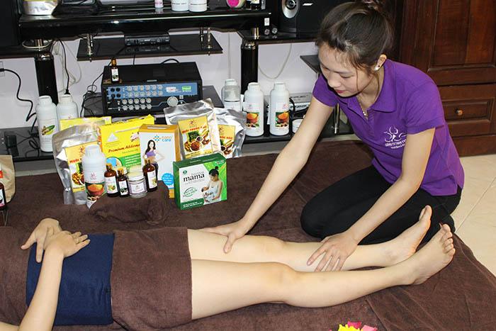 Massage chăm sóc sau sinh tại nhà