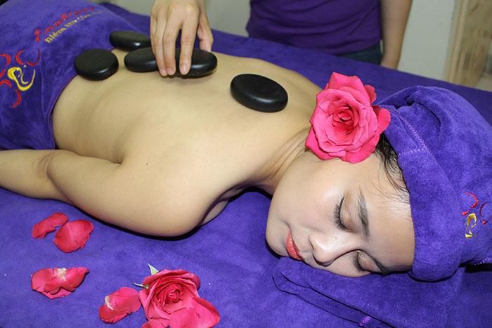[Hình: 1506918002_massage-sau-sinh-tai-nha-6.jpg.jpg]