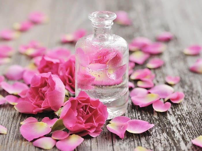 Nước hoa hồng Nhật Bản
