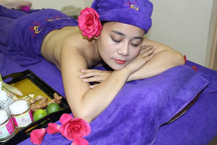 Phục hồi toàn diện sau sinh nhờ massage