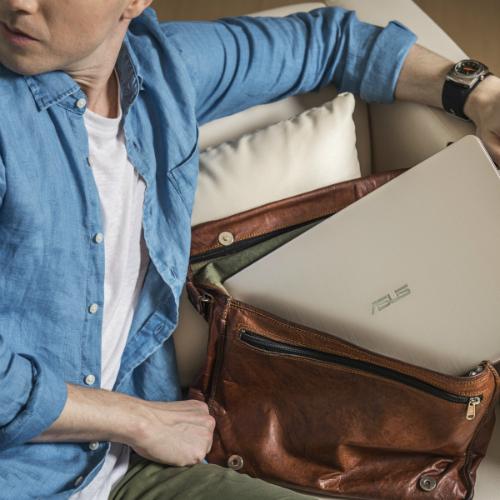 ba-dong-laptop-asus-noi-bat-cho-mua-tuu-truong-1